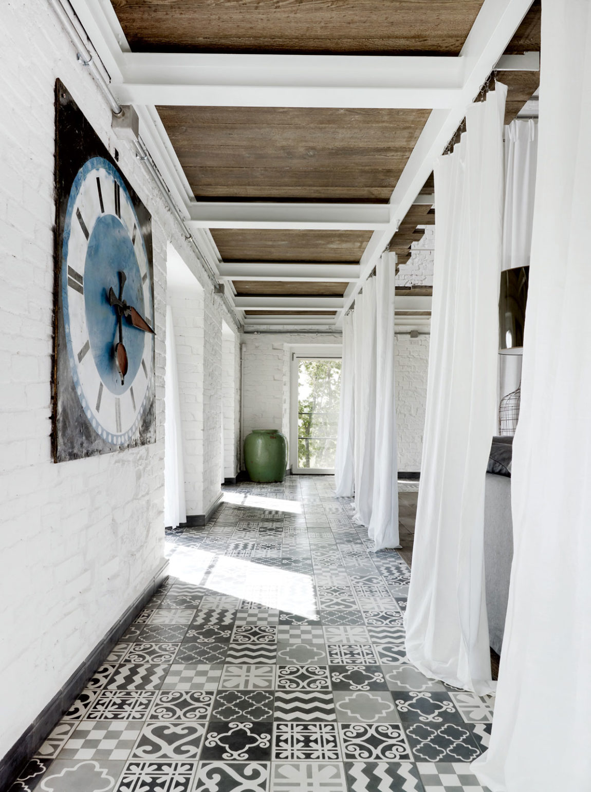 A Renovation in Umbria by Paola Navone (5)