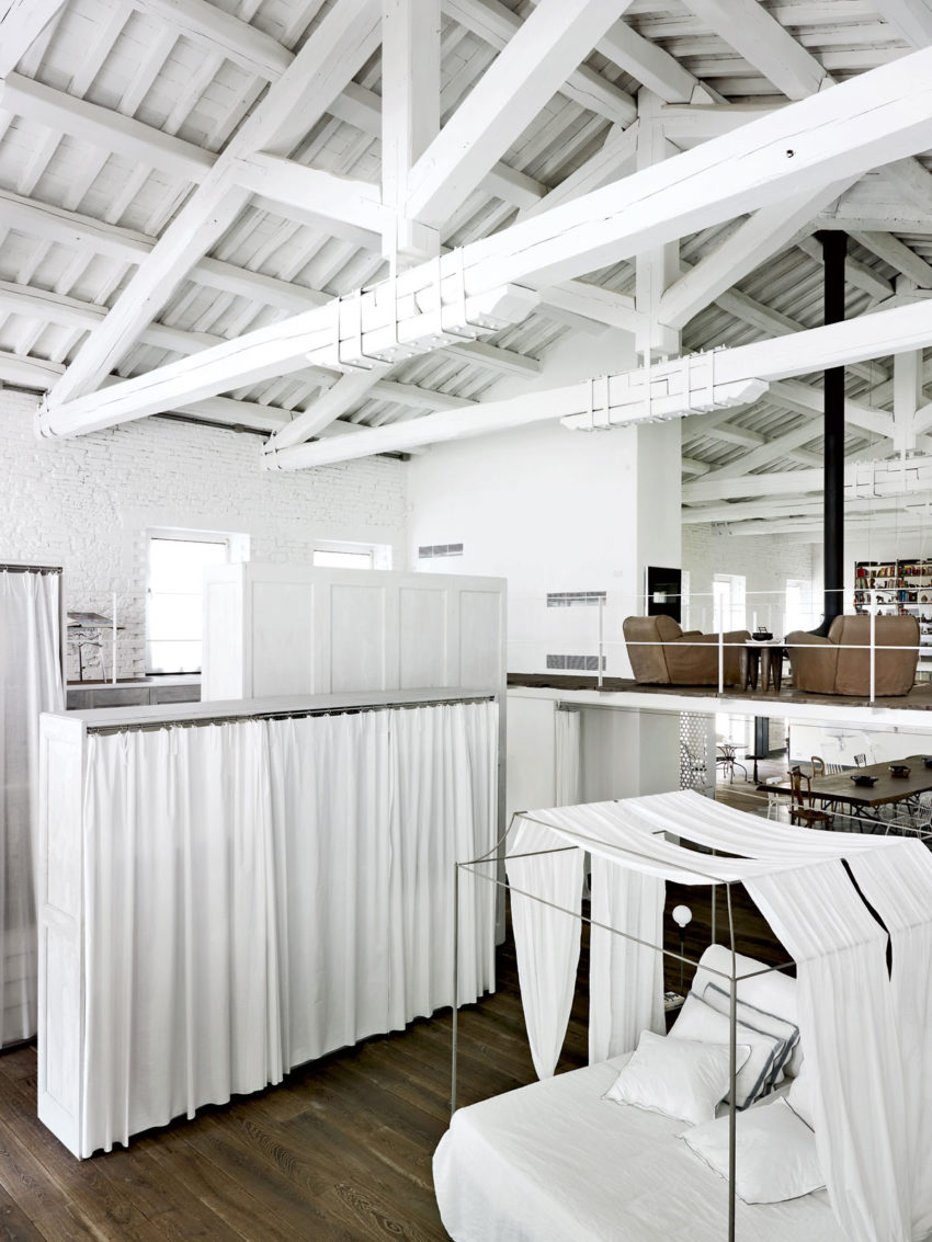 A Renovation in Umbria by Paola Navone (7)