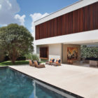 AH House by Studio Guilherme Torres (4)