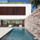 AH House by Studio Guilherme Torres (6)