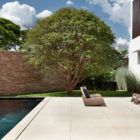 AH House by Studio Guilherme Torres (9)