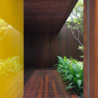 AH House by Studio Guilherme Torres (21)
