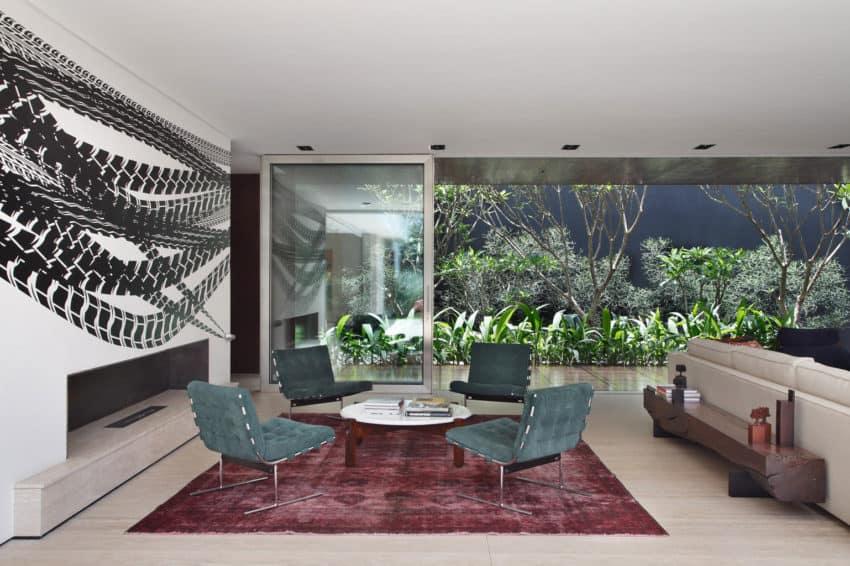 AH House by Studio Guilherme Torres (29)