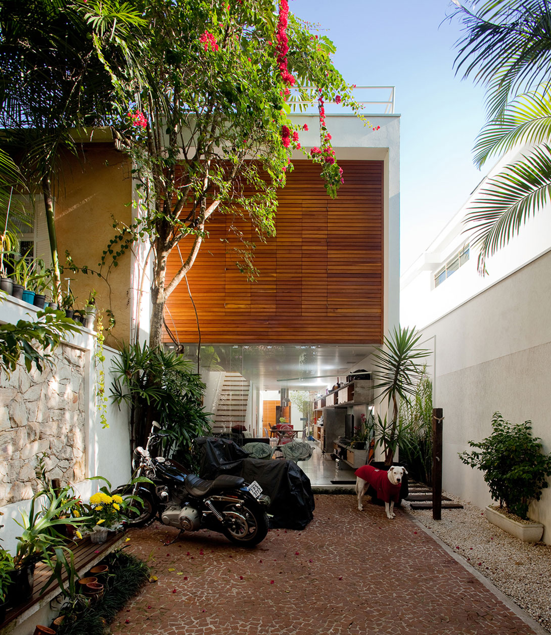 Brooklin House by Galeria Arquitetos (1)