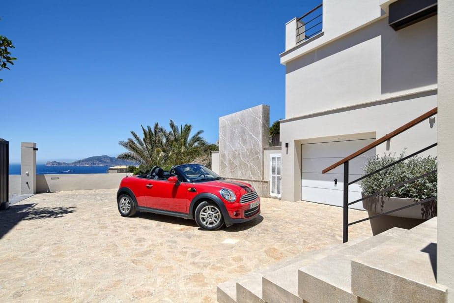 Elegant Villa with Breathtaking Sea Views (6)