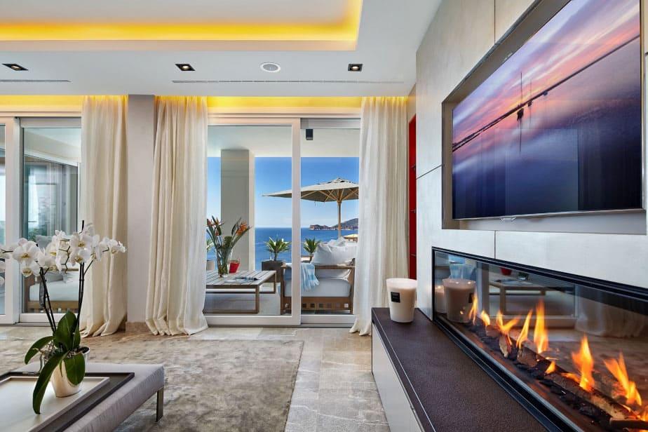 Elegant Villa with Breathtaking Sea Views (9)