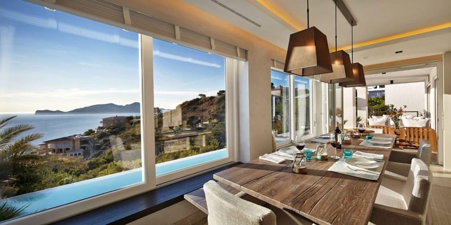 Elegant Villa with Breathtaking Sea Views (15)