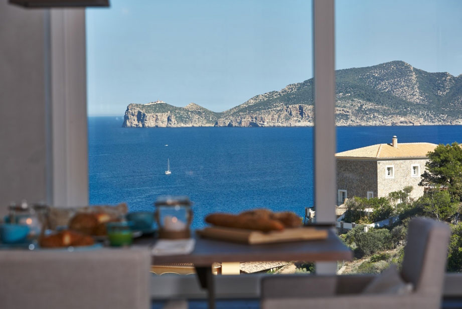 Elegant Villa with Breathtaking Sea Views (17)