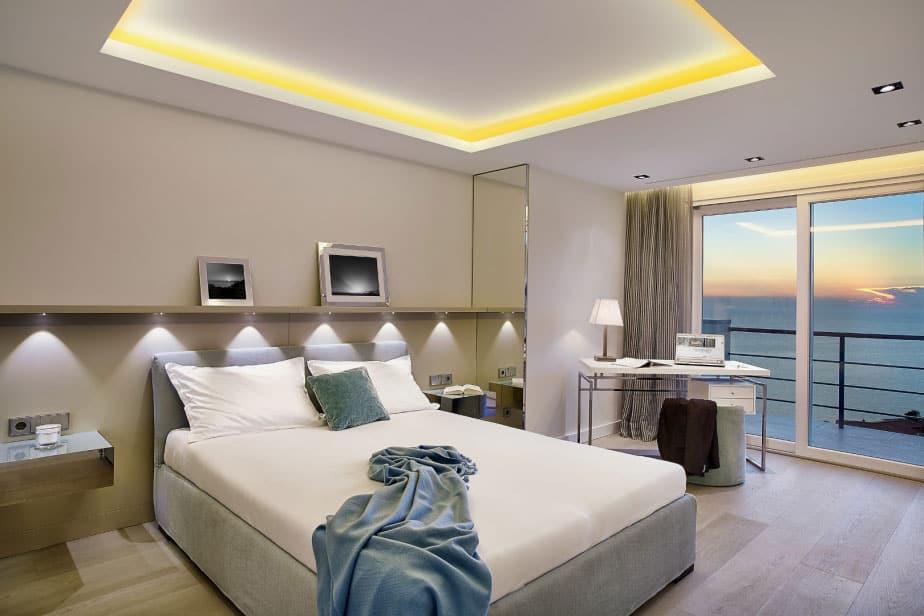 Elegant Villa with Breathtaking Sea Views (20)