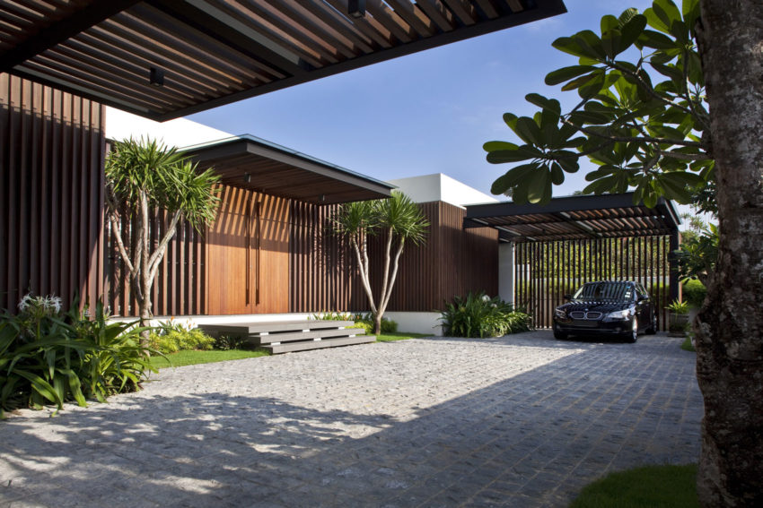 Enclosed Open House by Wallflower Architecture + Design (2)