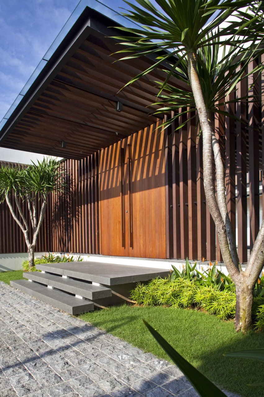 Enclosed Open House by Wallflower Architecture + Design (3)