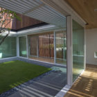 Enclosed Open House by Wallflower Architecture + Design (15)