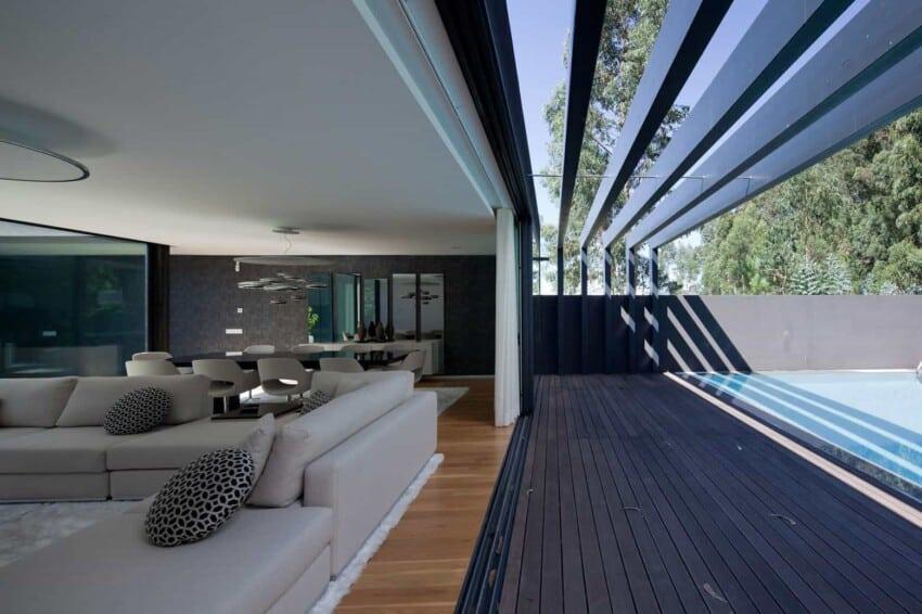 Fábio Coentrão House by António Fernandez Architects (3)