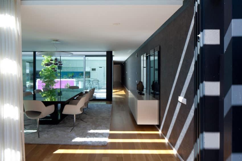 Fábio Coentrão House by António Fernandez Architects (7)