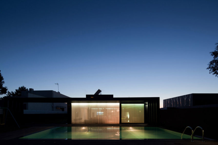 Fábio Coentrão House by António Fernandez Architects (27)