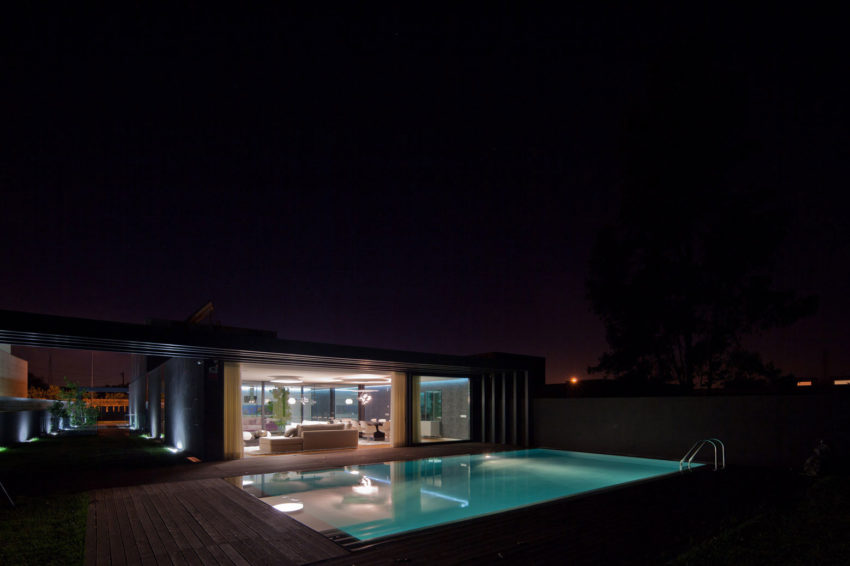 Fábio Coentrão House by António Fernandez Architects (29)