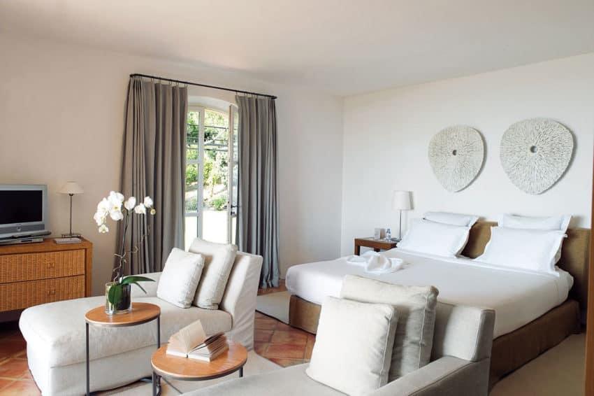 Hôtel La Réserve by Jean-Michel Wilmotte (30)
