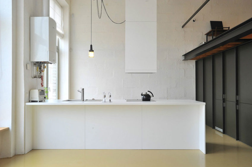 Loft apartment in former factory by Inblum (5)