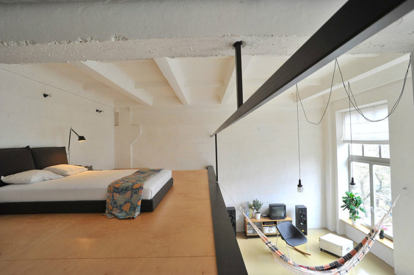 Loft apartment in former factory by Inblum (9)