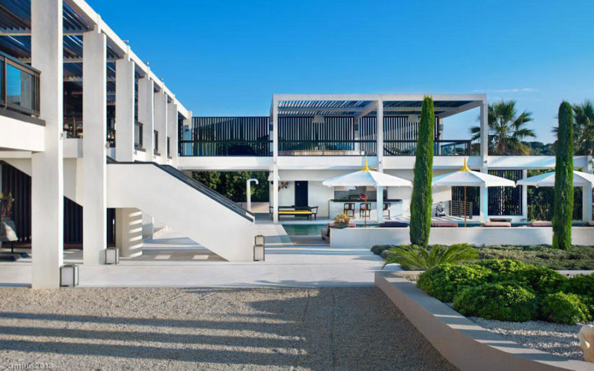 Luxury modern villa on Cap d'Antibes (6)