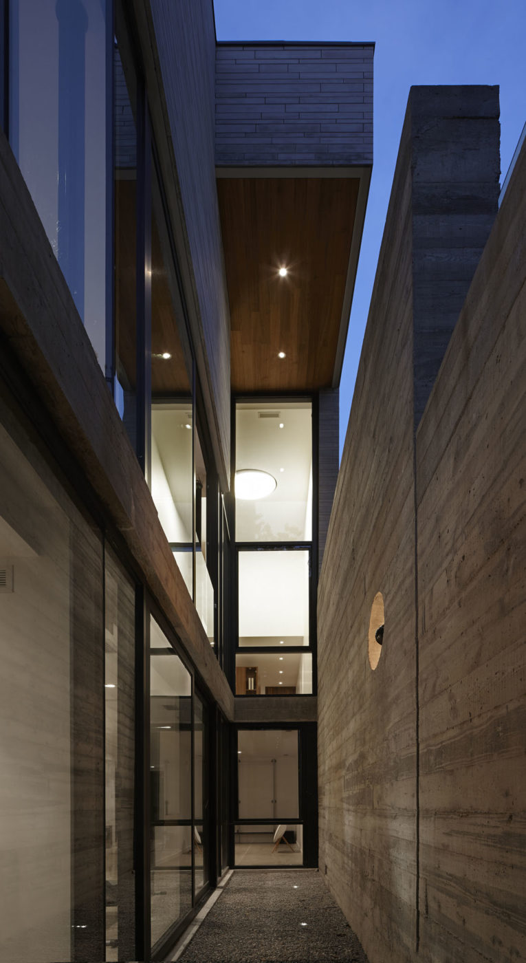 Moore Park Residence by Drew Mandel Architects (13)