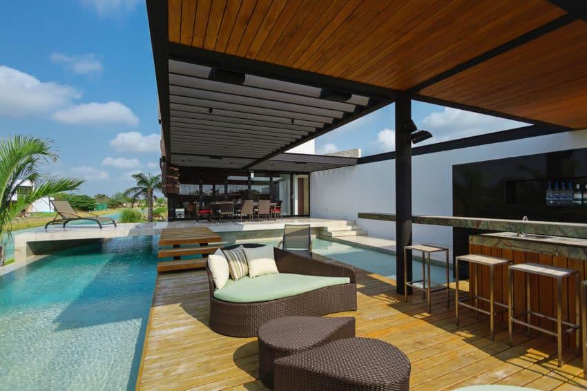 PL2 House by Seijo Peon Arquitectos y Asociados (2)