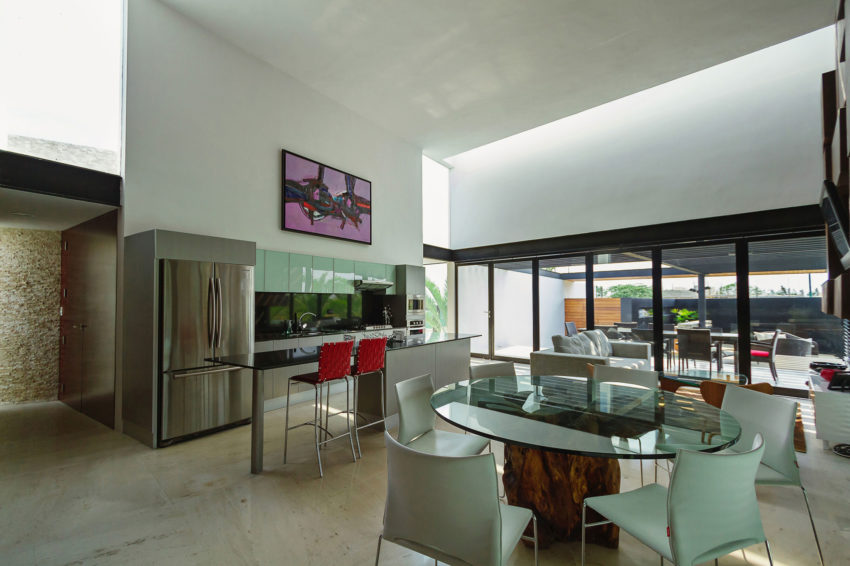 PL2 House by Seijo Peon Arquitectos y Asociados (7)