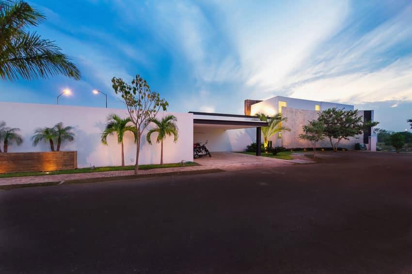 PL2 House by Seijo Peon Arquitectos y Asociados (19)