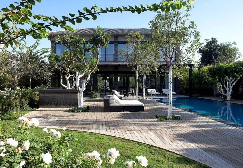 Ramat Hasharon House 10 by Pitsou Kedem Architects (1)