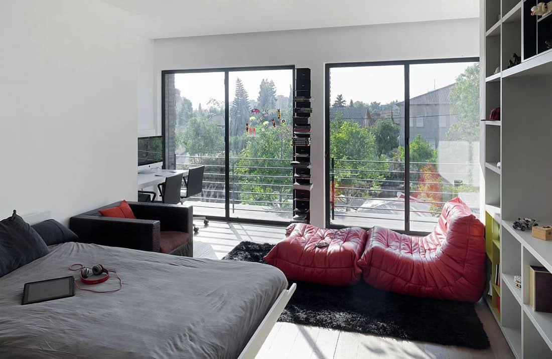 Ramat Hasharon House 10 by Pitsou Kedem Architects (14)