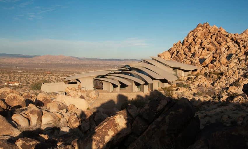 The Desert House (3)