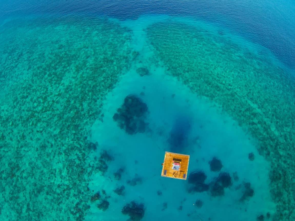 The Manta Underwater Room by Genberg Underwater Hotels (1)