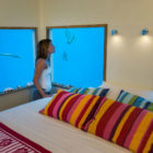 The Manta Underwater Room by Genberg Underwater Hotels (7)