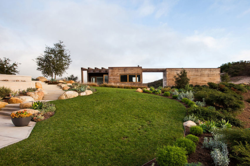 Toro Canyon House by Bestor Architecture (2)