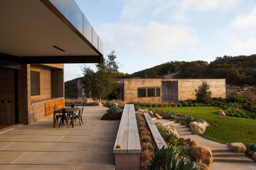 Toro Canyon House by Bestor Architecture (6)