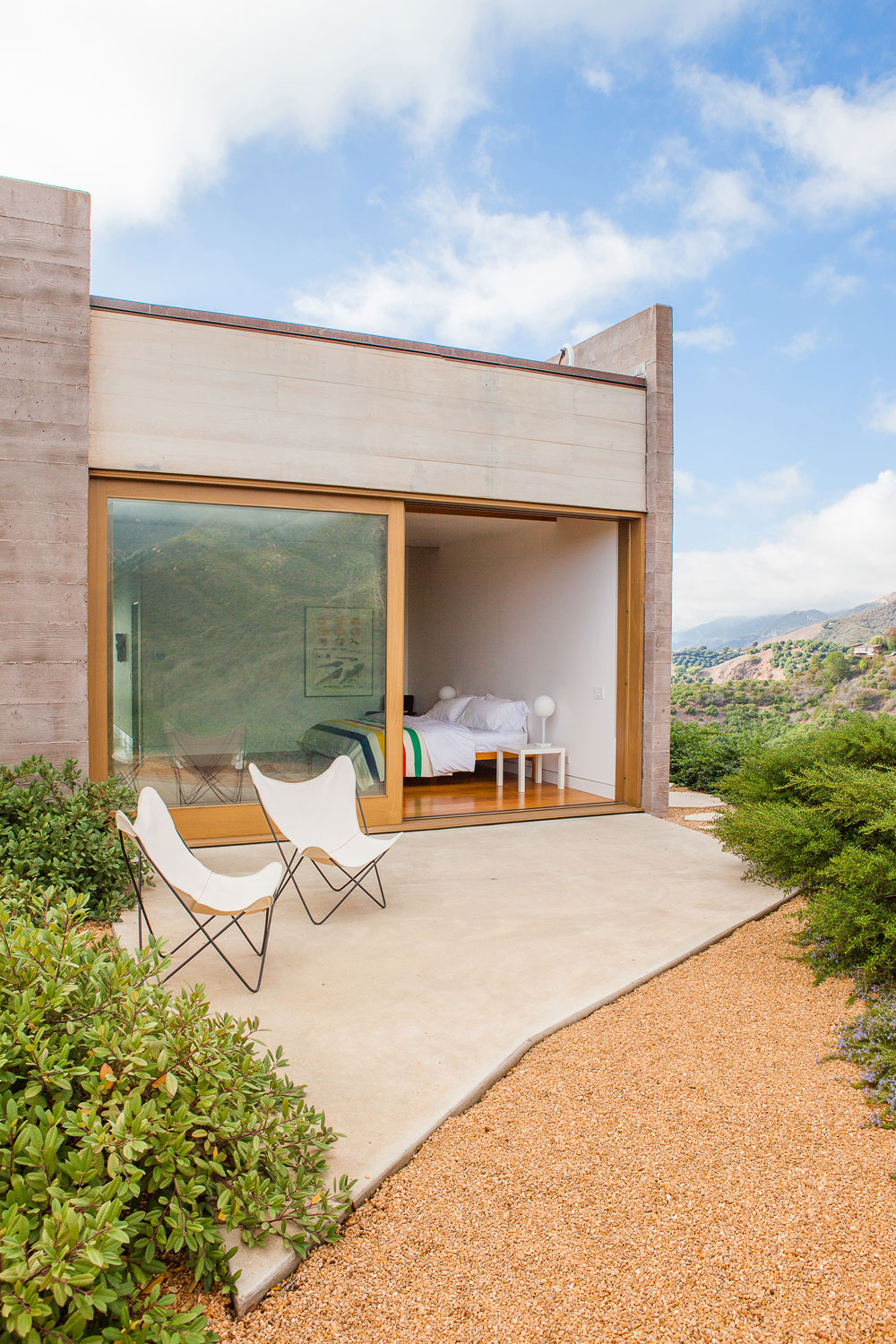 Toro Canyon House by Bestor Architecture (9)