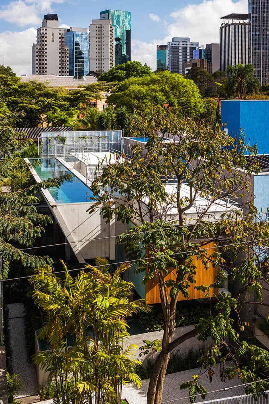 Weekend House in Downtown São Paulo by SPBR (39)