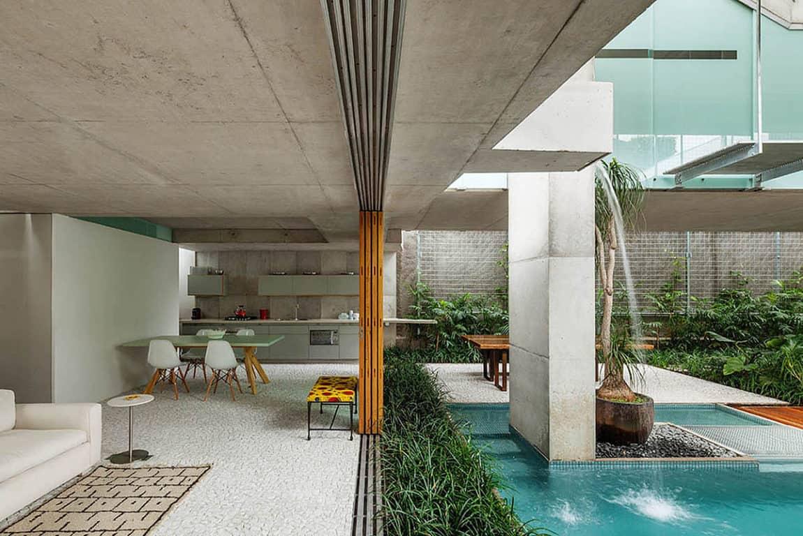 Weekend House in Downtown São Paulo by SPBR (32)
