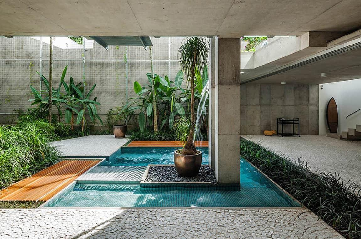 Weekend House in Downtown São Paulo by SPBR (29)