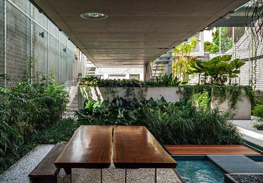 Weekend House in Downtown São Paulo by SPBR (24)