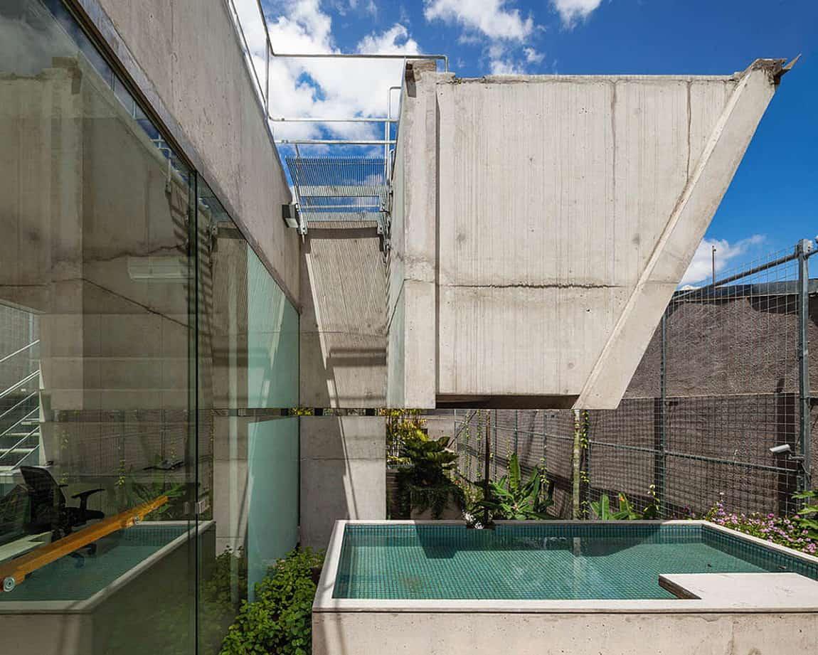 Weekend House in Downtown São Paulo by SPBR (20)