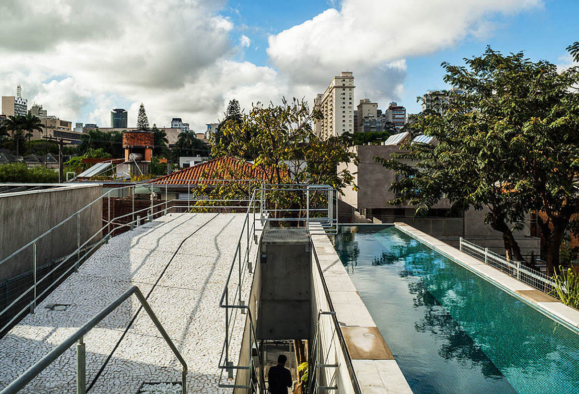 Weekend House in Downtown São Paulo by SPBR (16)