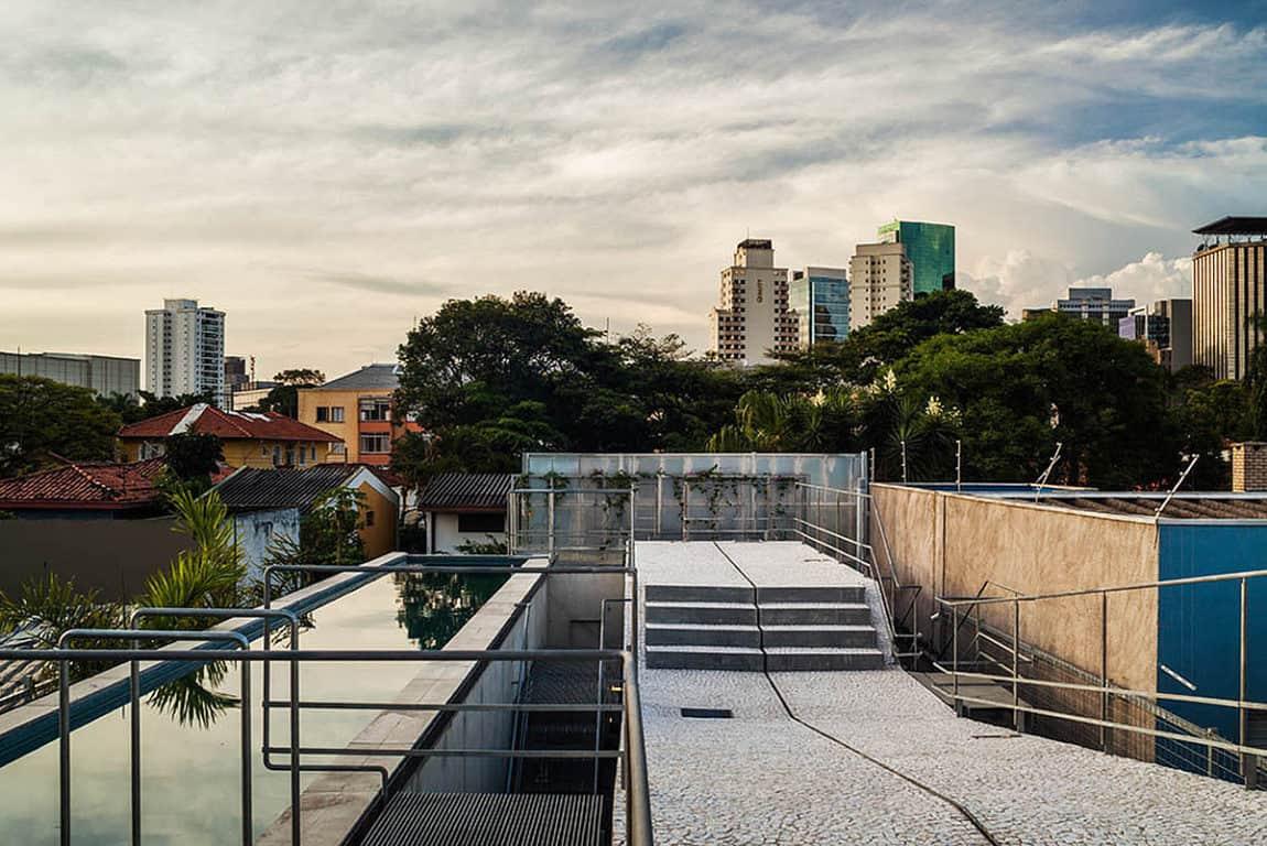 Weekend House in Downtown São Paulo by SPBR (14)