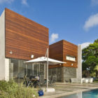 Wooden Concrete House by Nestor Sandbank (2)