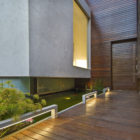 Wooden Concrete House by Nestor Sandbank (8)
