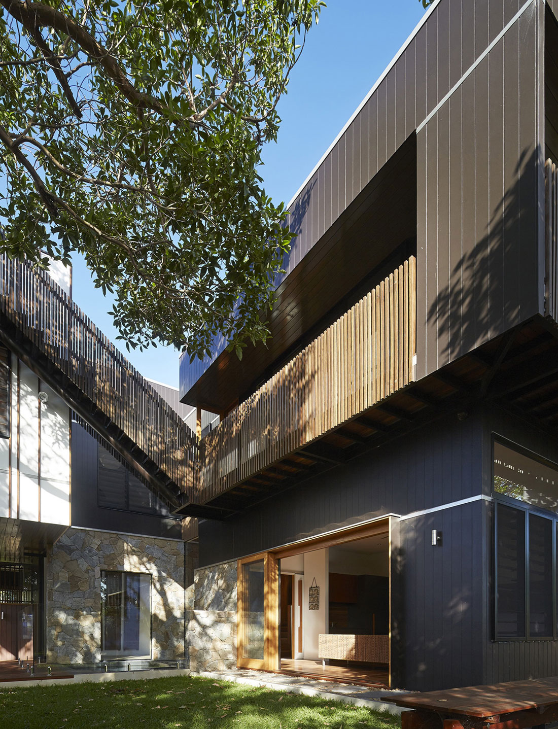 Bambara Street by Shaun Lockyer Architects (2)