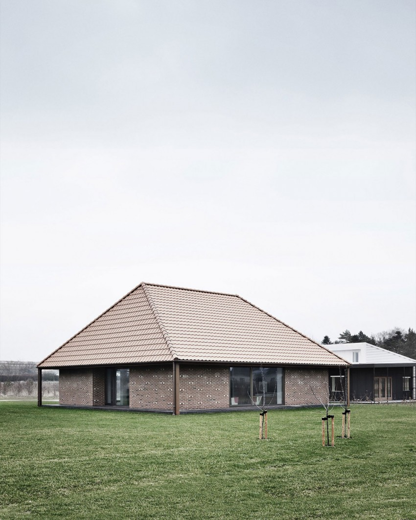 Brick House by LETH & GORI (1)