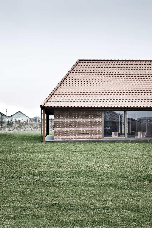 Brick House by LETH & GORI (2)