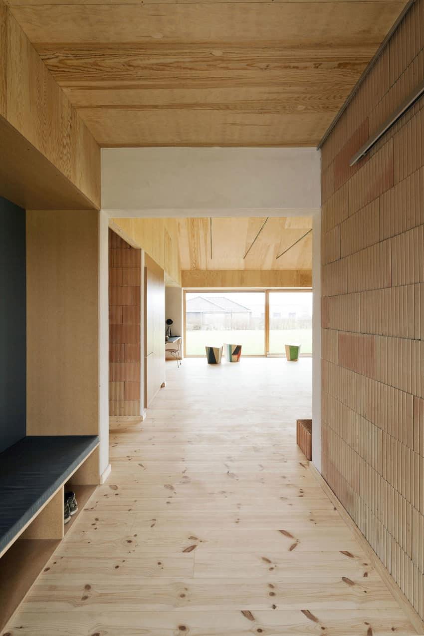 Brick House by LETH & GORI (6)