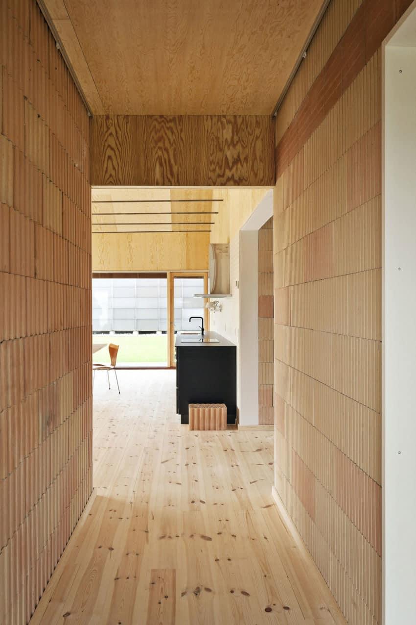 Brick House by LETH & GORI (10)